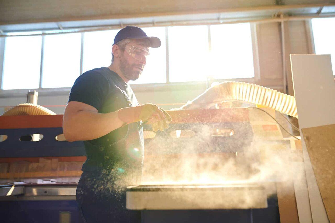 Est-ce que la poussière dans votre entrepôt est dangereuse?